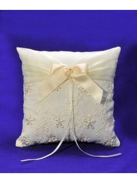Ring Pillow Ivory Pearl Flower